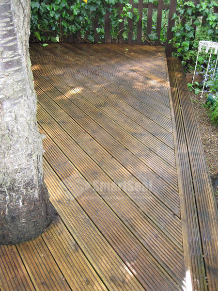 Deck steps following cleaning